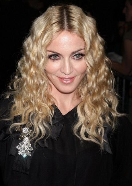 Angelina Jolie Bob Hair Blonde krullen kapsels