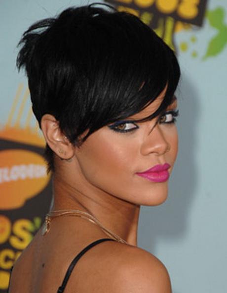 Rihanna Kapsels