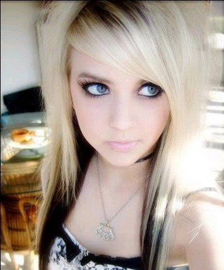 Emo Hairstyles And Long Hairstyle For Teens With Oval Face: Van Blond Naar Zwart Haar