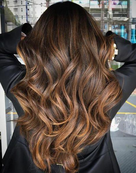 Blond Haar Met Lichtbruine Highlights