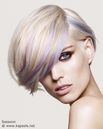 Kort Blond Haar Met Highlights